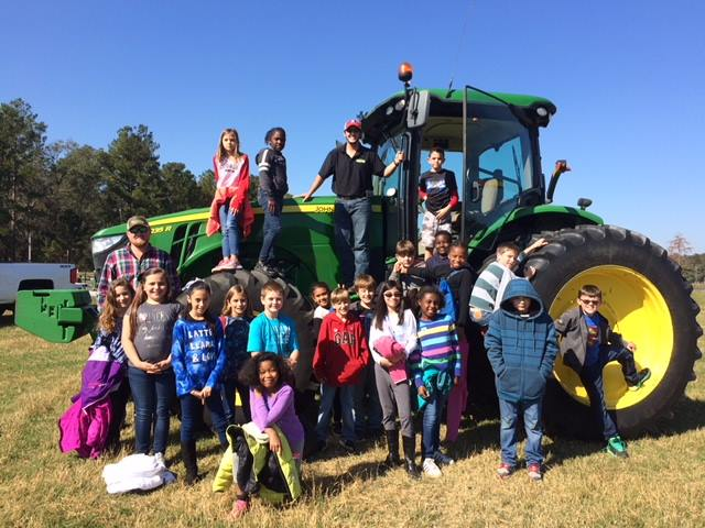 Ag-Day_Grove-Elementary-Lasster-Tractor