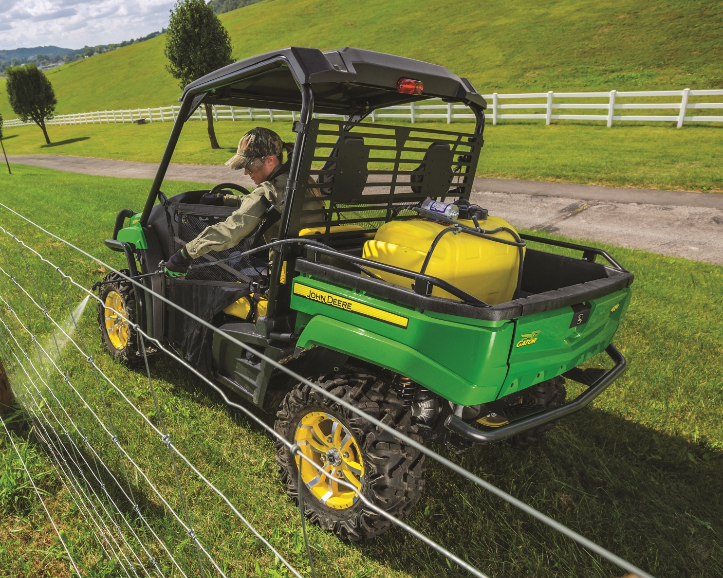 Gator-Utility-Vehicle_John-Deere